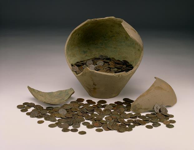 coin-hoard-pot